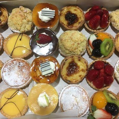 Cakes & Tarts Platter-24 pieces