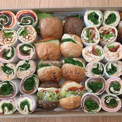 Buns & Wraps platter- 12 serves of each