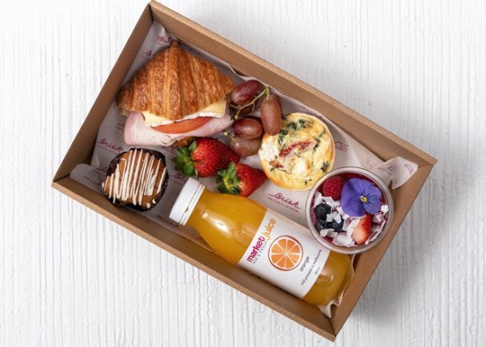 Large Breakfast Box - Croissant