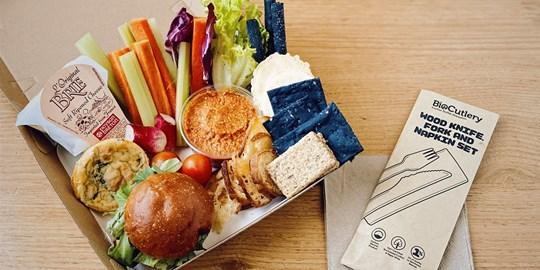 Boardroom Grazing Box (Chicken Sandwich)