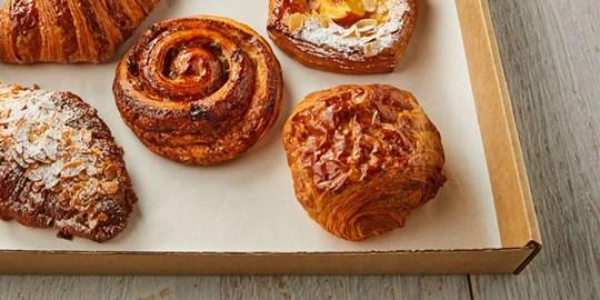 STREAT Bakery pain au choc