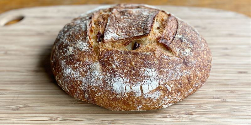 Olive Sourdough Boule (680 g)