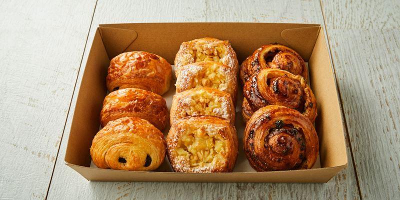 STREAT Bakery mini pastries