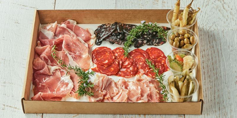 Salumi with pickled vegetables