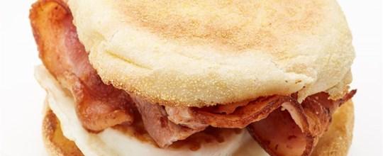 Crispy Bacon, Cheese & Egg English Muffin Sandwich