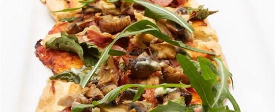 Roasted mushroom, proscuitto & gorgonzola pizza