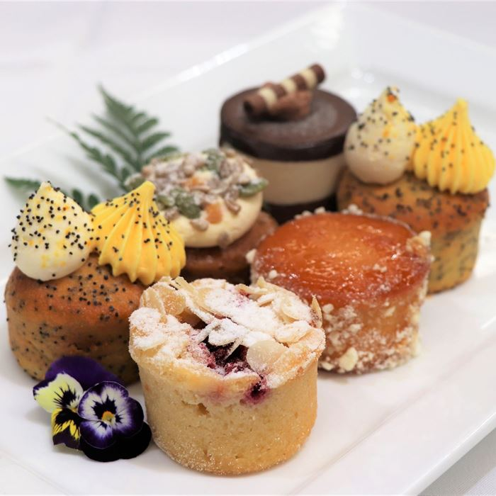 Executive Sweet Platter - 2 cakes per serve
