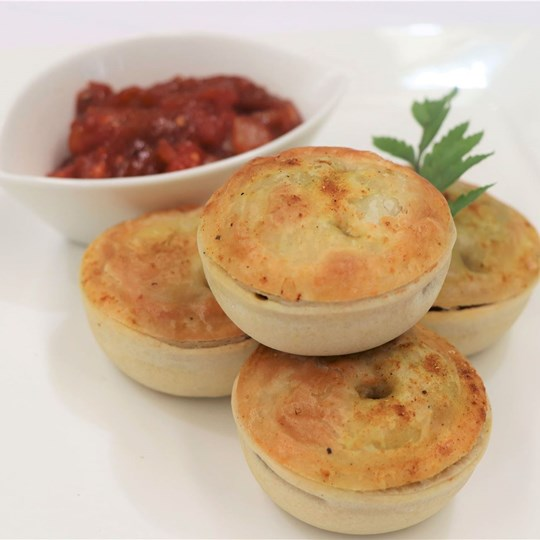 Gourmet Vegan Pie - with tomato relish (VEGAN)