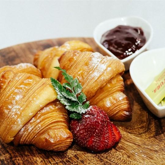 Mini Croissant - with jam & butter on the side