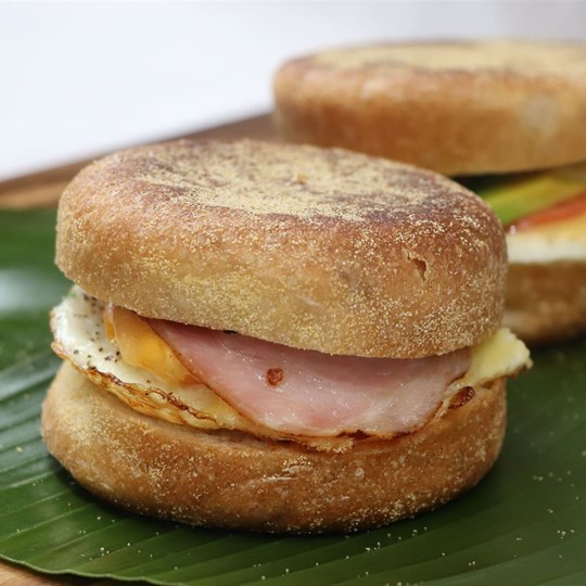 Egg & Bacon English Muffin