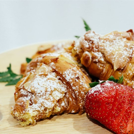 Almondine French Pastry