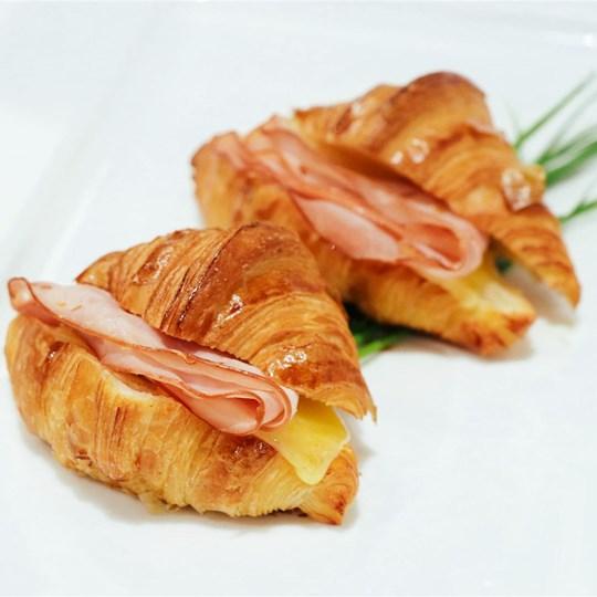 Savoury Croissant - ham & cheese