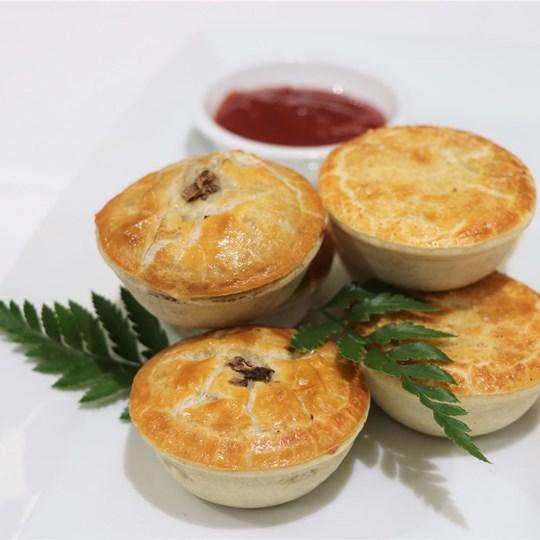 Gourmet Vegetarian Pie - with tomato sauce (VEG)