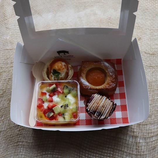White Breakfast Box 4