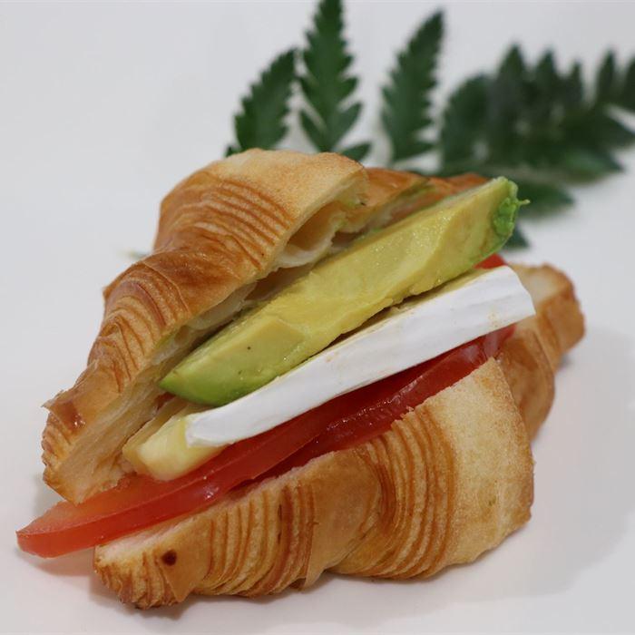 Savoury Croissant - brie, tomato and avocado (cold item) (VEG)