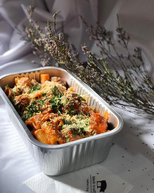Italian Meatballs w Napoli Sause & Rigatoni (4 serves) [Foil Tray]