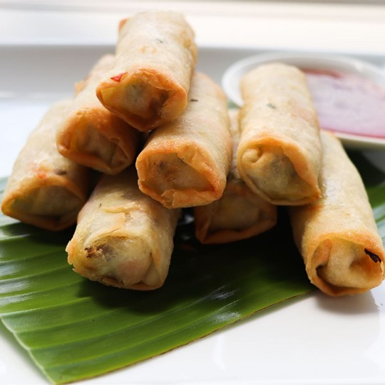 Spring Roll - with sweet chilli sauce (VEG)