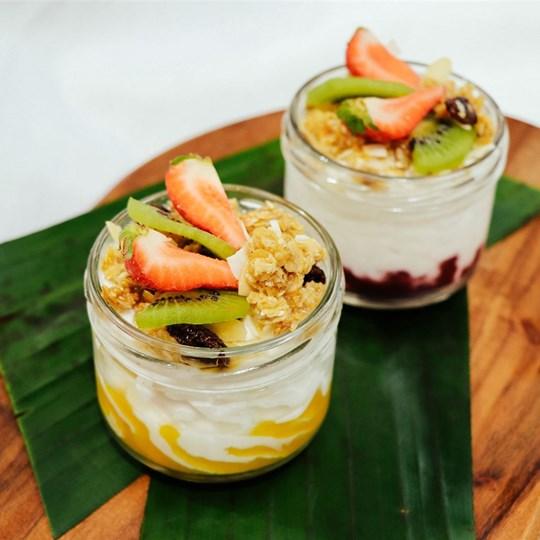 Coconut Yoghurt Cup (VEGAN)