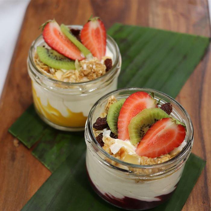Coconut Yoghurt Cups