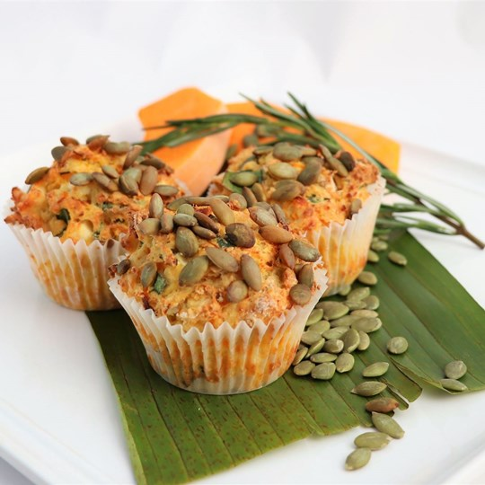 Savoury Muffin - pumpkin, spinach & feta with butter portion (VEG)