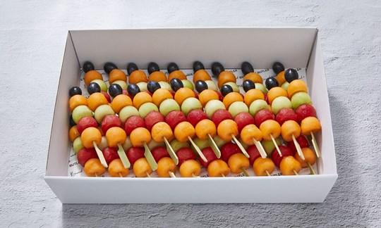 Deluxe fruit skewers (V, GF, DF)