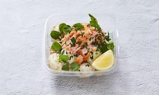 Flaked salmon & potato salad bowl (GF)