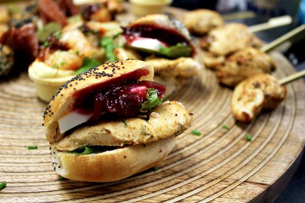 CHICKEN SLIDERS (H)