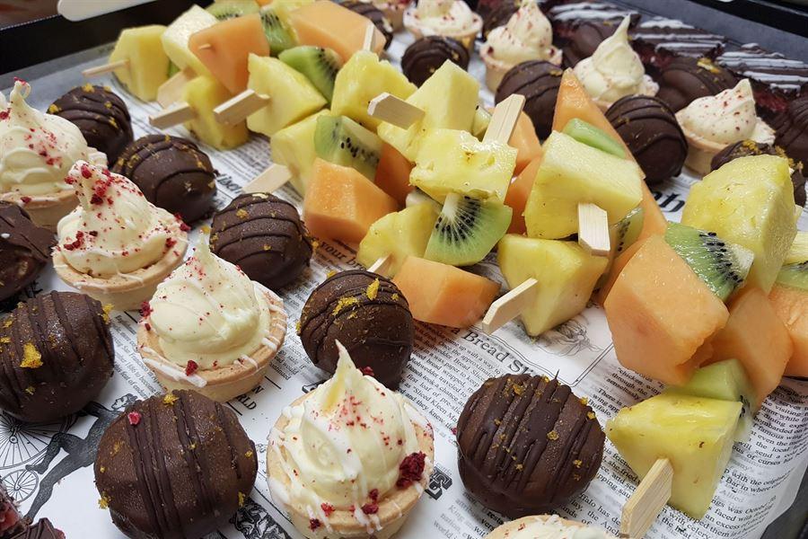 Sweet platter (serves 10)