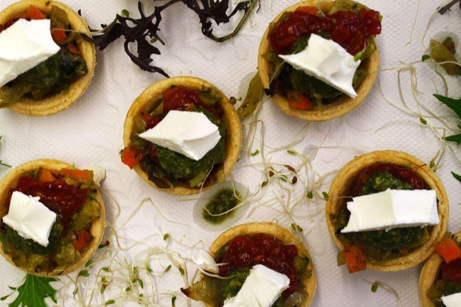 Roasted vegetables, feta and pesto tartlets (H)