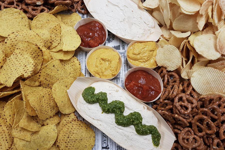 Chips n dip (serves 10)