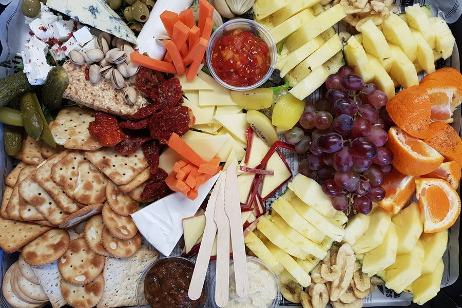 Cheese, fruit and crackers platter  (serves 10)