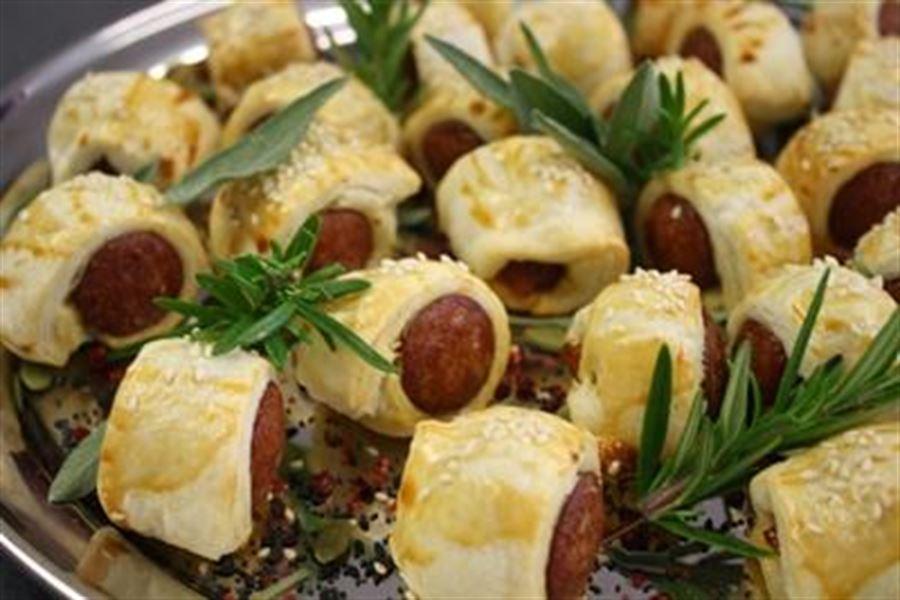 Chorizo puffs (H)