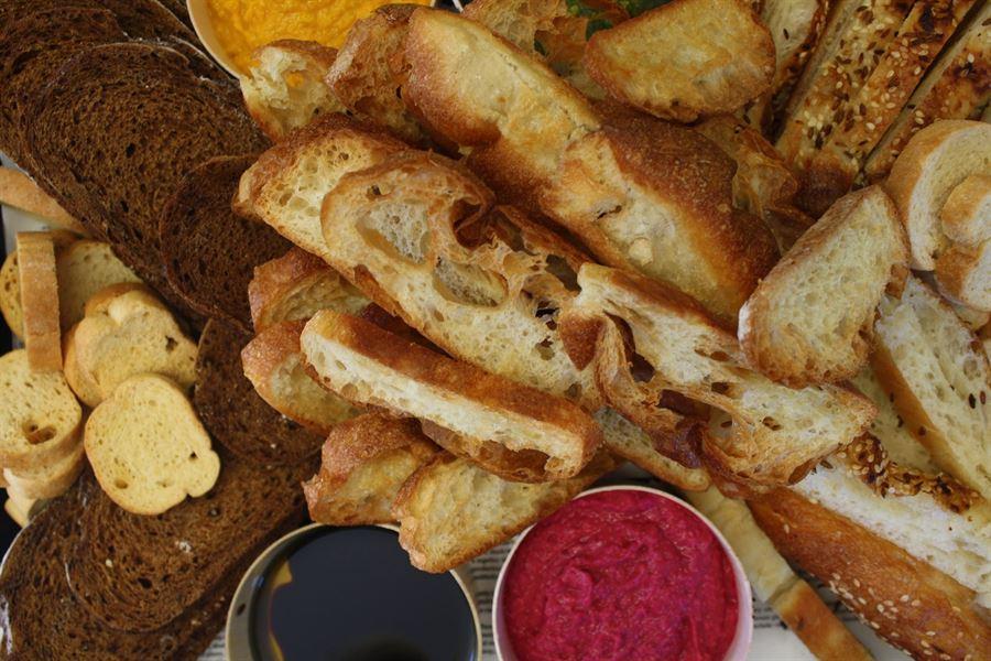 Bread  & dips  platter (serves 10)