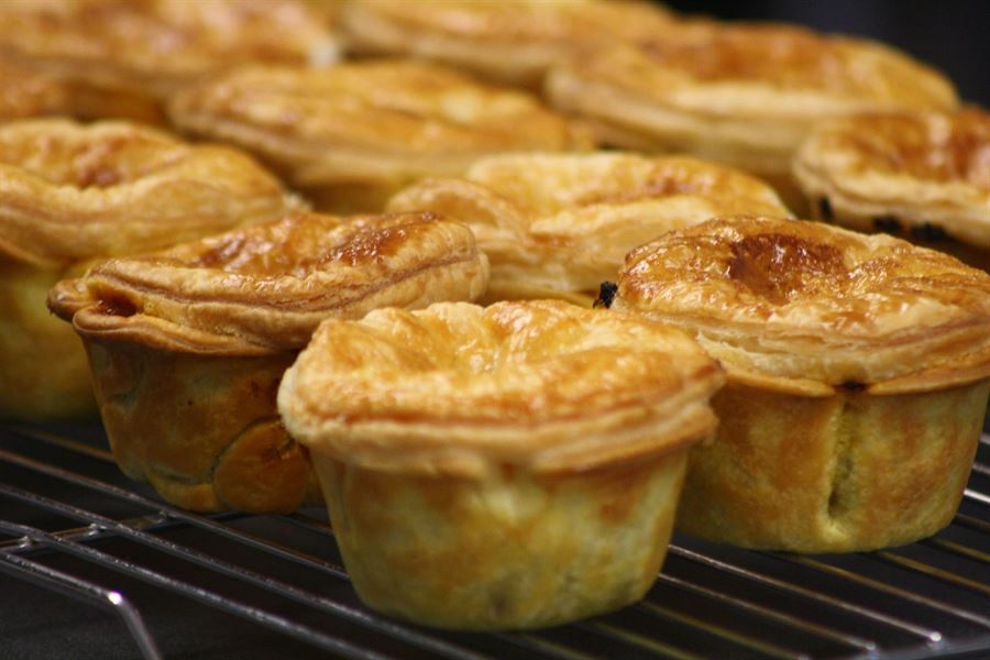 Beef, red wine and thyme pies