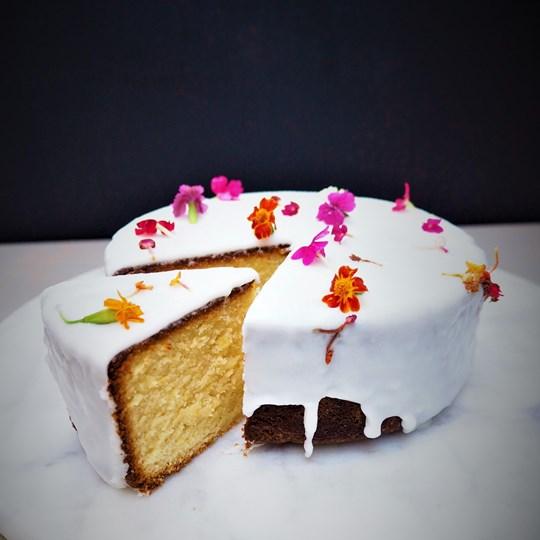 Lemon & polenta cake (GF)