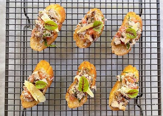 Chicken mini bruschetta