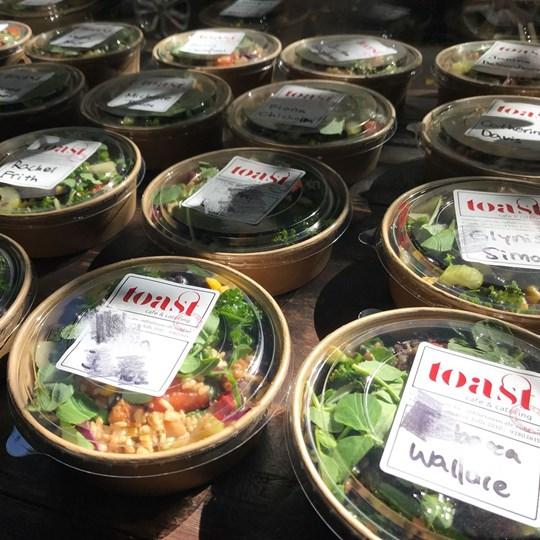 Individual boxed salad - medium