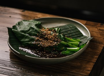 Steamed Chinese Broccoli with Oyster Sauce (Serves 2)
