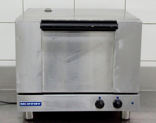 Oven moffat turbofan, 10amp power, small oven trays, 2 shelf