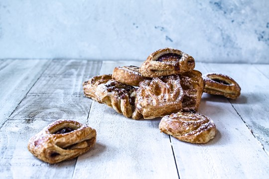 Danish pastries (v)