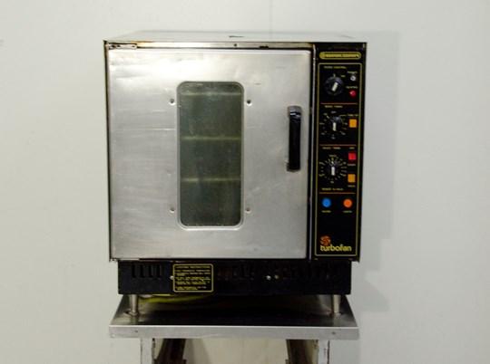 Oven bak bar large, 10amp power and lpg, gastronome trays & larger, 4 shelf