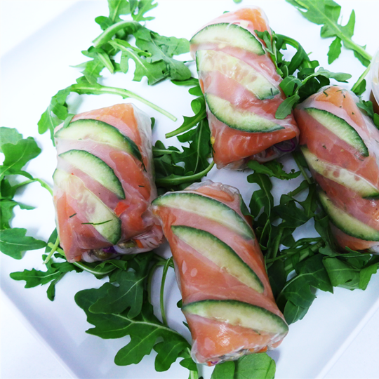 Smoked salmon rice paper roll - dill, capers & cucumber (g/f, d/f)