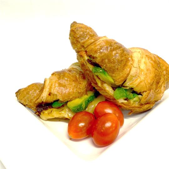 Croissant: Tasty cheese, avocado and fresh tomato (min 6)