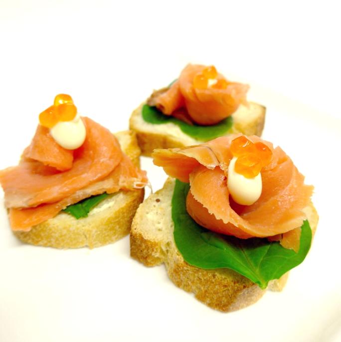 Smoked salmon on sourdough with sour cream (min 10)