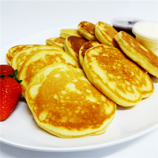 Pikelets with House-Made Jam and Cream (2 per serve) (min 6)