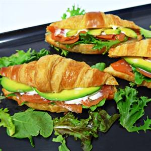 Mini Croissant filled with Smoked Salmon, Avocado and Garlic Aioli (min 5)