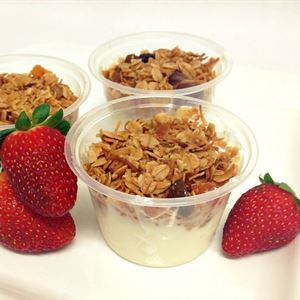 Natural Yoghurt with Crunchy Hazelnut Granola 120 ml (v)