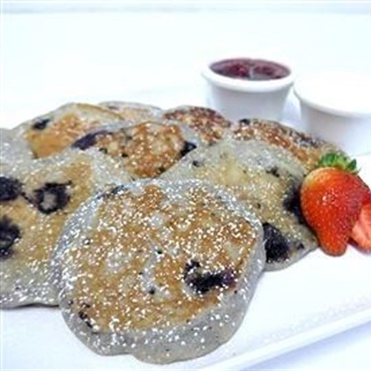 Blueberry pancakes with berry compote and natural yoghurt (2 per serve)