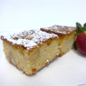 Raspberry and Macadamia Nut Blondie (g/f) (min 10)