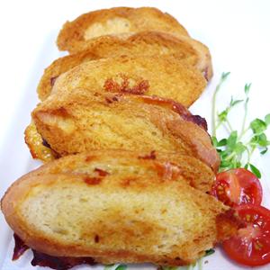 Buttery Mini Cheese & Tomato Relish Toasties (min 10)
